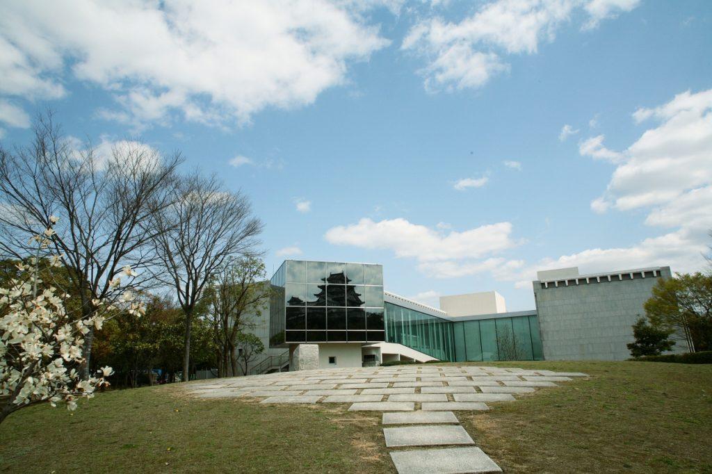 兵庫県立歴史博物館の外観の写真