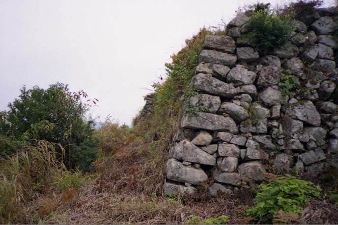 城山上の石垣の画像