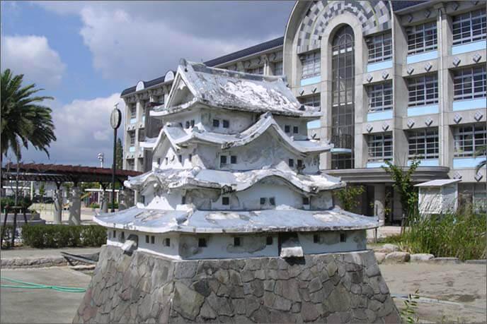 明城小学校にある天守模型の画像