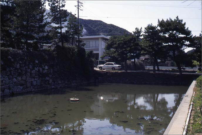下の城の画像(堀)