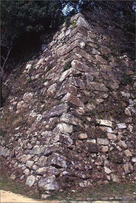 上の城の豪快な石垣の画像