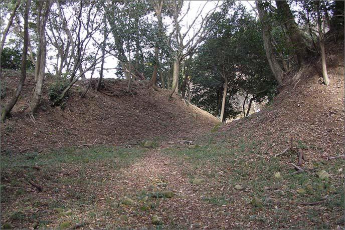 二ノ丸の急崖