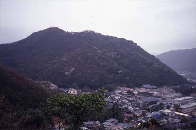 城山の登山口の画像