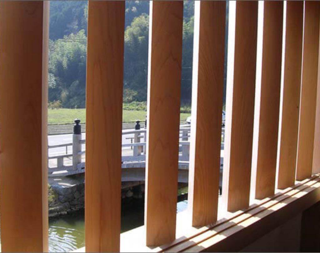 陣屋門の内部/格子窓の画像