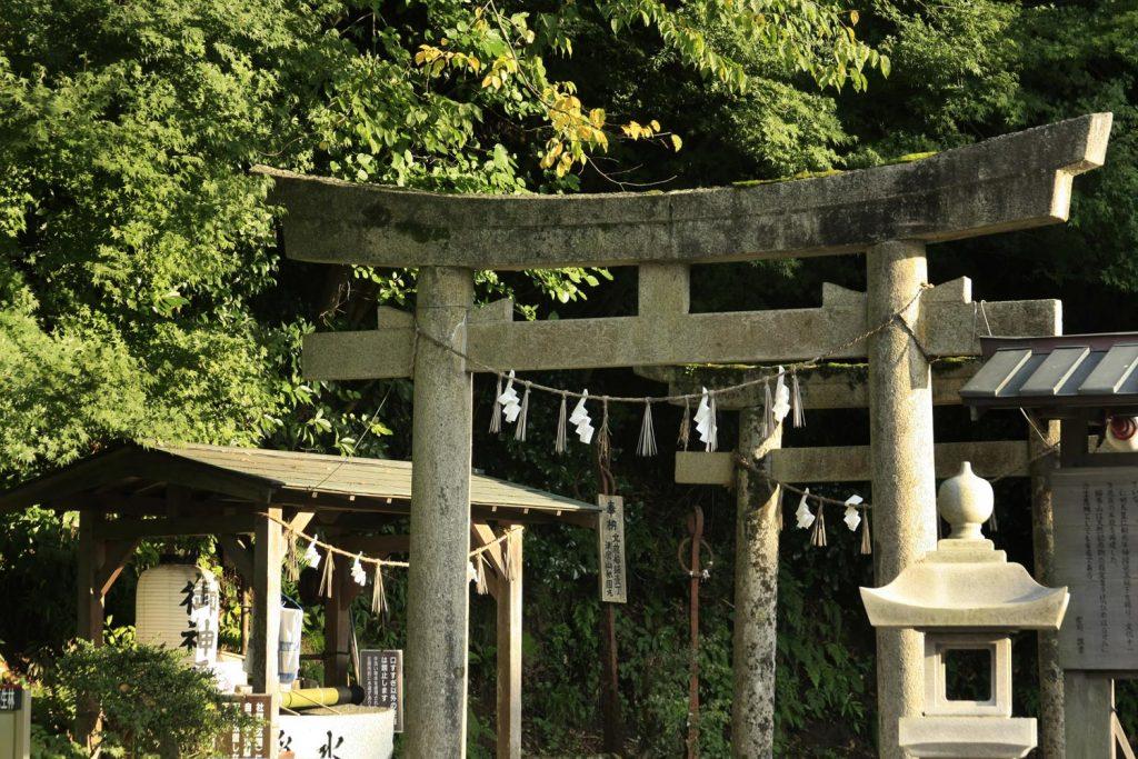 絹巻神社(鳥居)