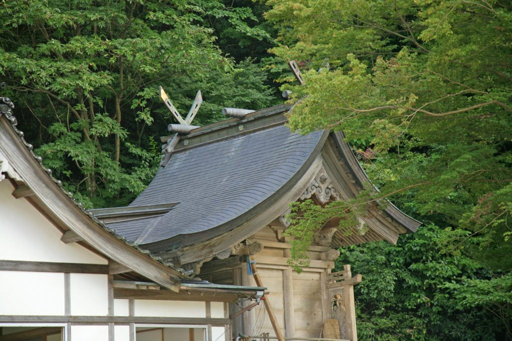絹巻神社(本殿)
