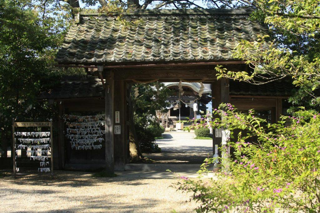 小田井縣神社(門)
