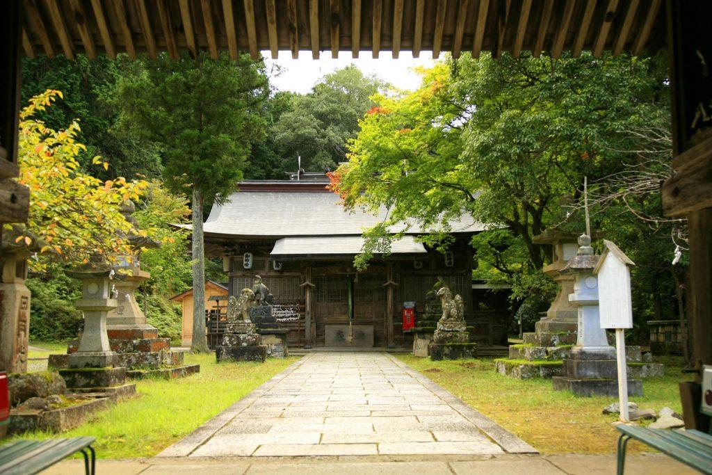 養父神社(拝殿)