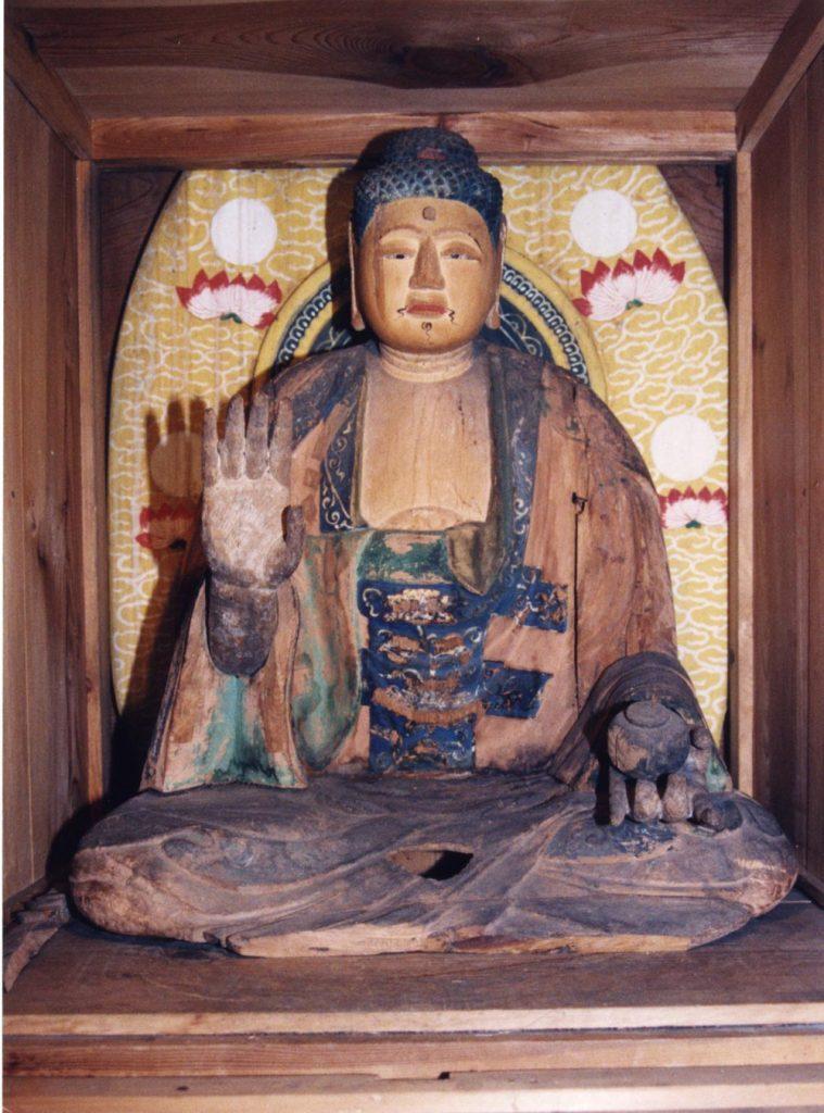 焼けた薬師様は木造の薬師様の胎内仏