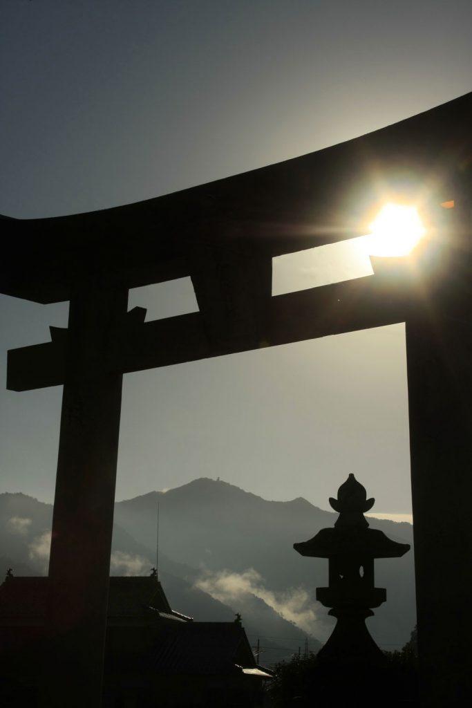 鳥居から見た青倉山