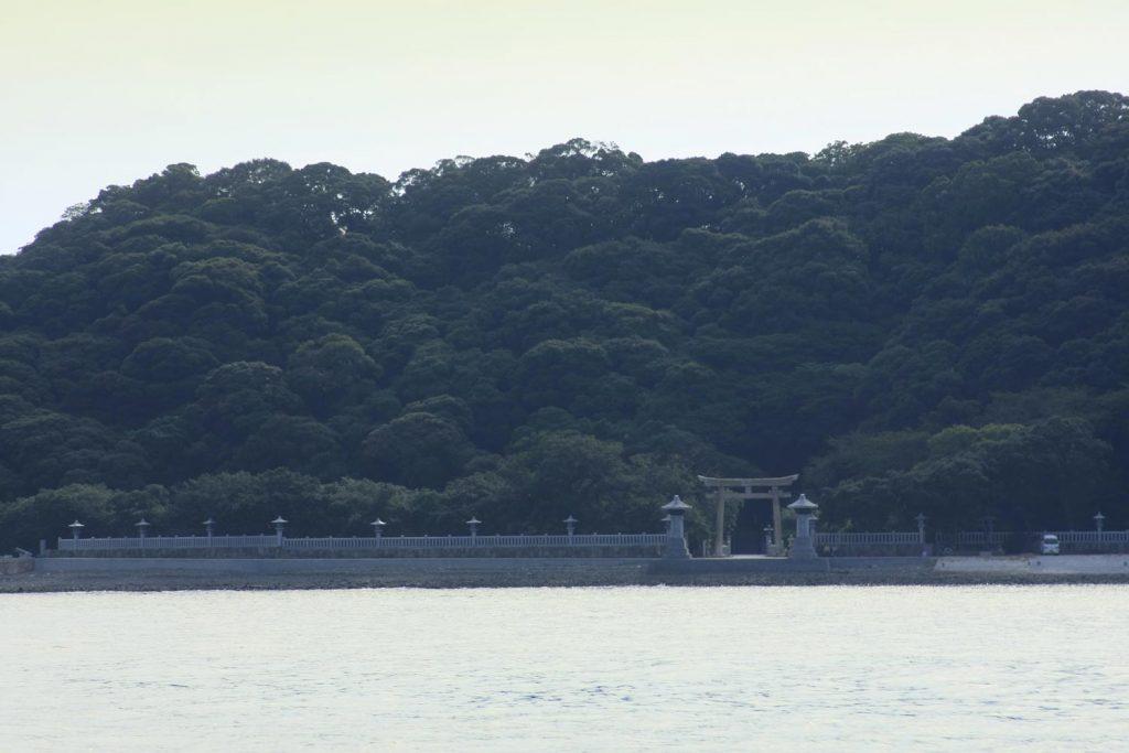 家島神社 (遠景 海上から)