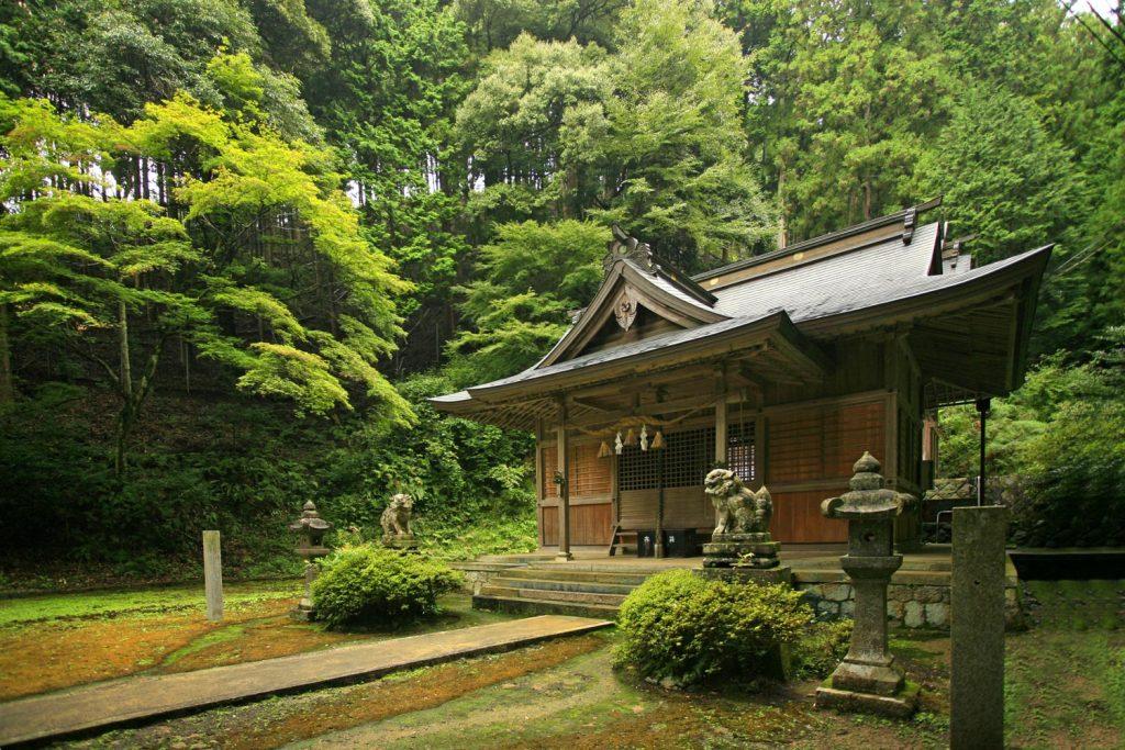 苅野神社(本殿)