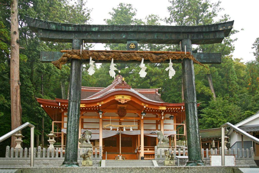 三輪神社(本殿)