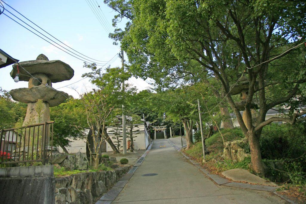 大津八幡神社(参道)