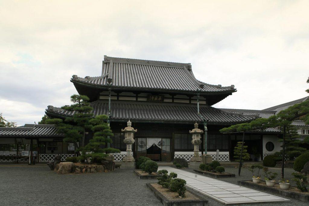 花岳寺(境内)