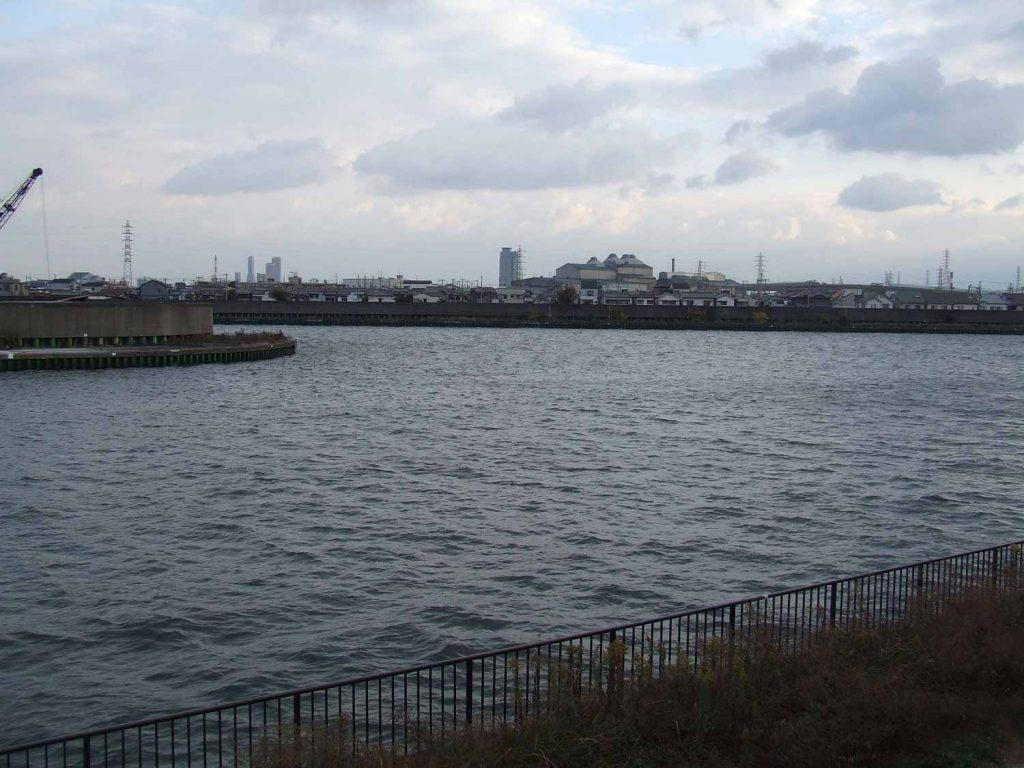 尼崎左門殿川河口付近(かつてはこのあたりは海であった)