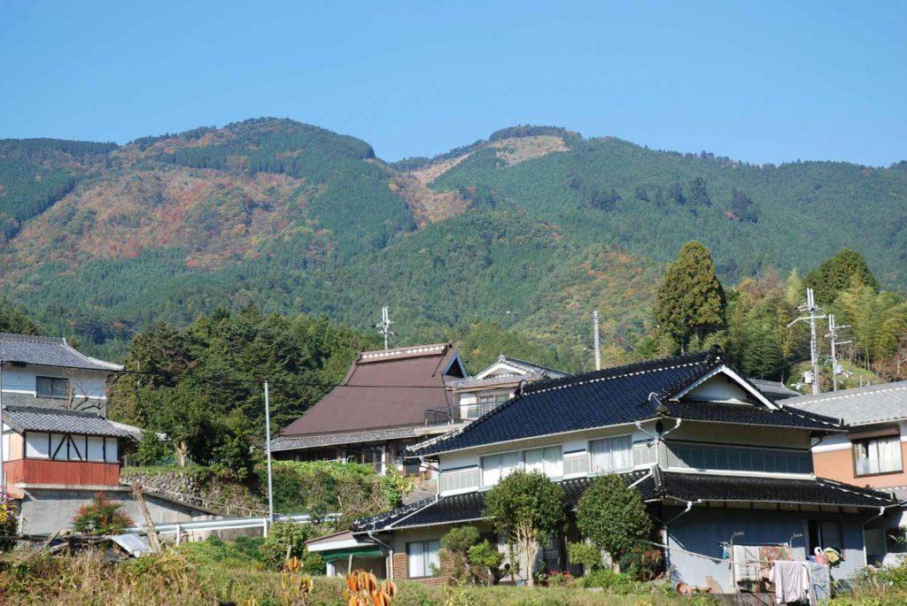 笠形山(市川町上牛尾から)