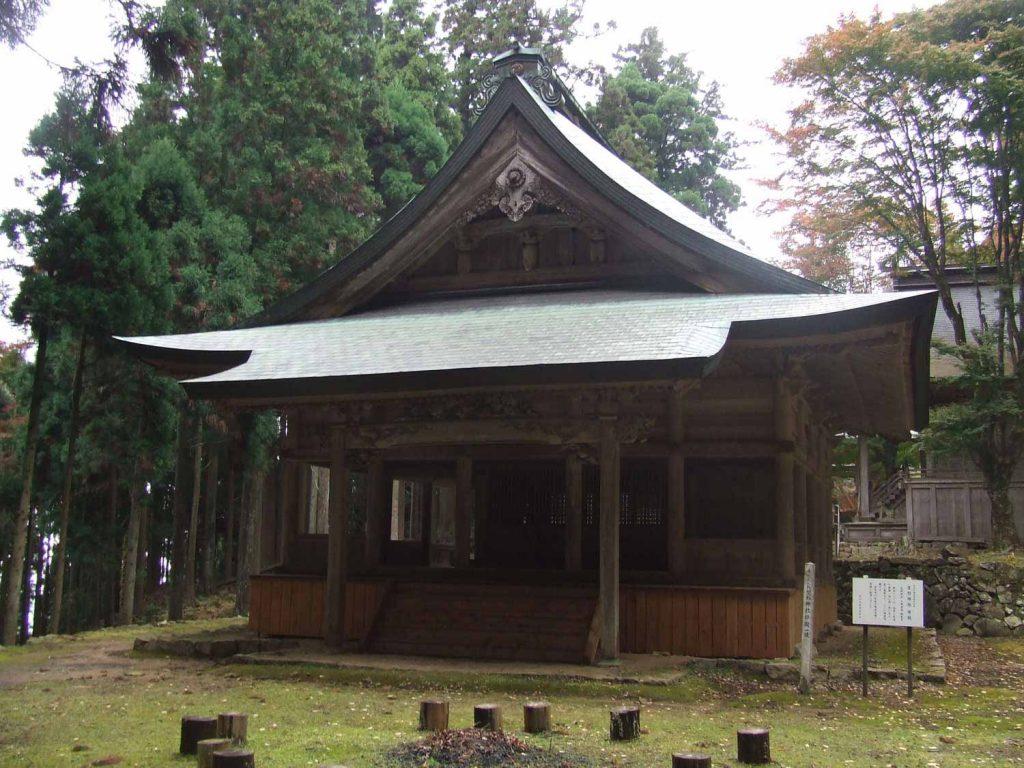 笠形神社拝殿 (神仏分離以前は笠形寺本堂)