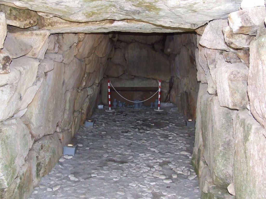 東山一号墳の石室