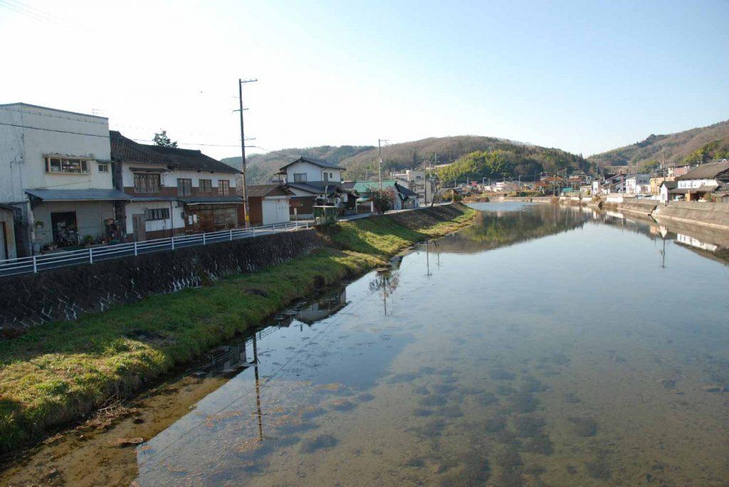 佐用川と佐用の町