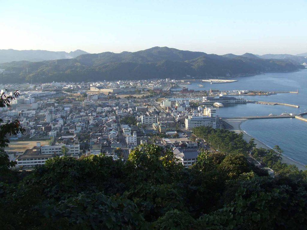 三熊山から見た洲本市街