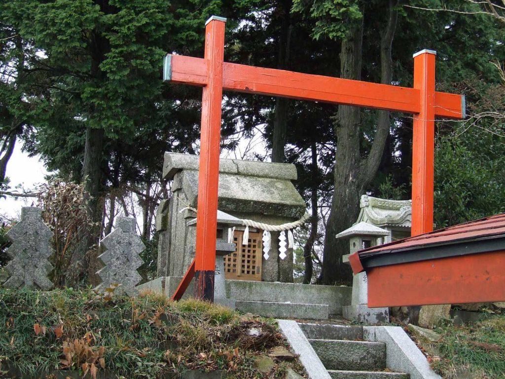 六甲山白山神社 石の宝殿