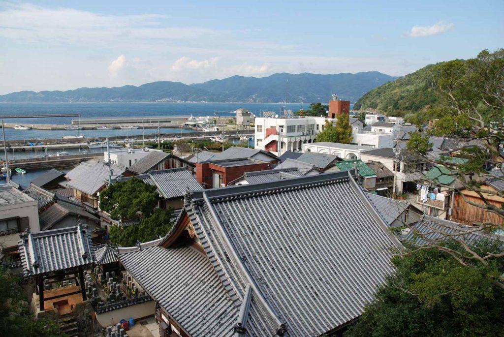 沼島八幡神社から見た淡路島
