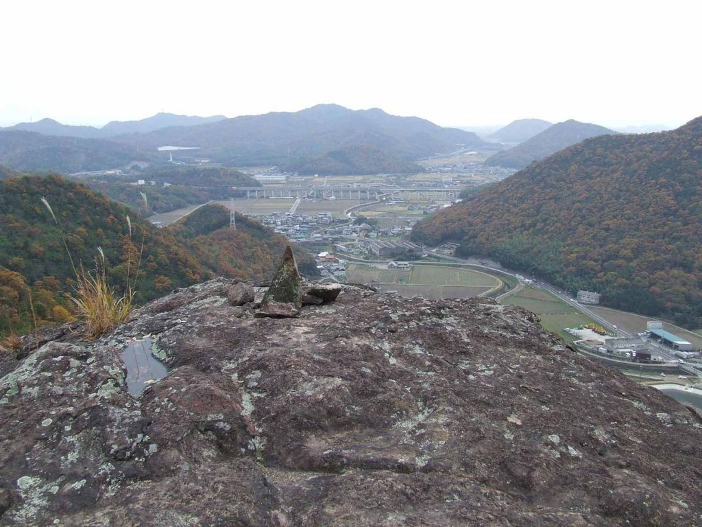 亀岩から南を望む