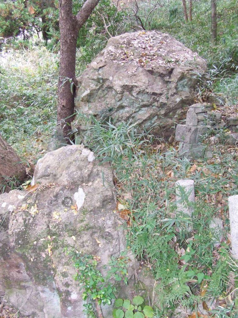 矢田部の太子の感動岩