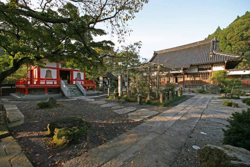 正福寺の境内