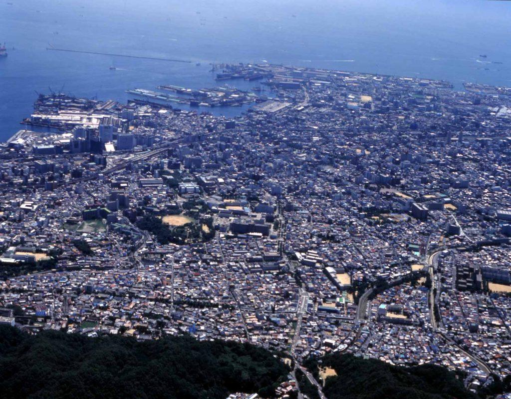 六甲山から兵庫津を望む