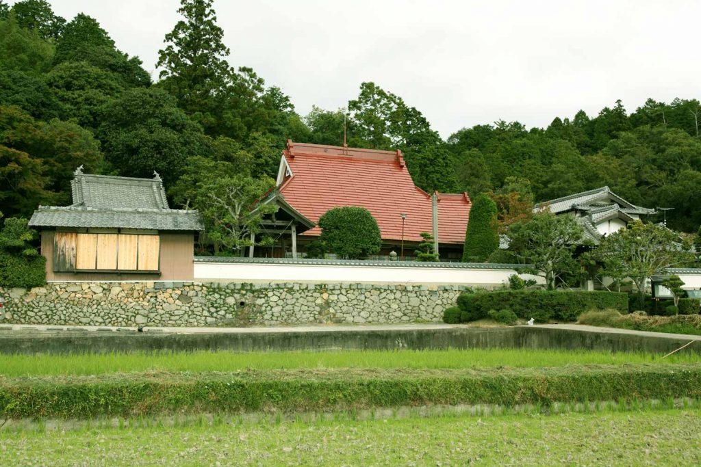 成道寺(全景)