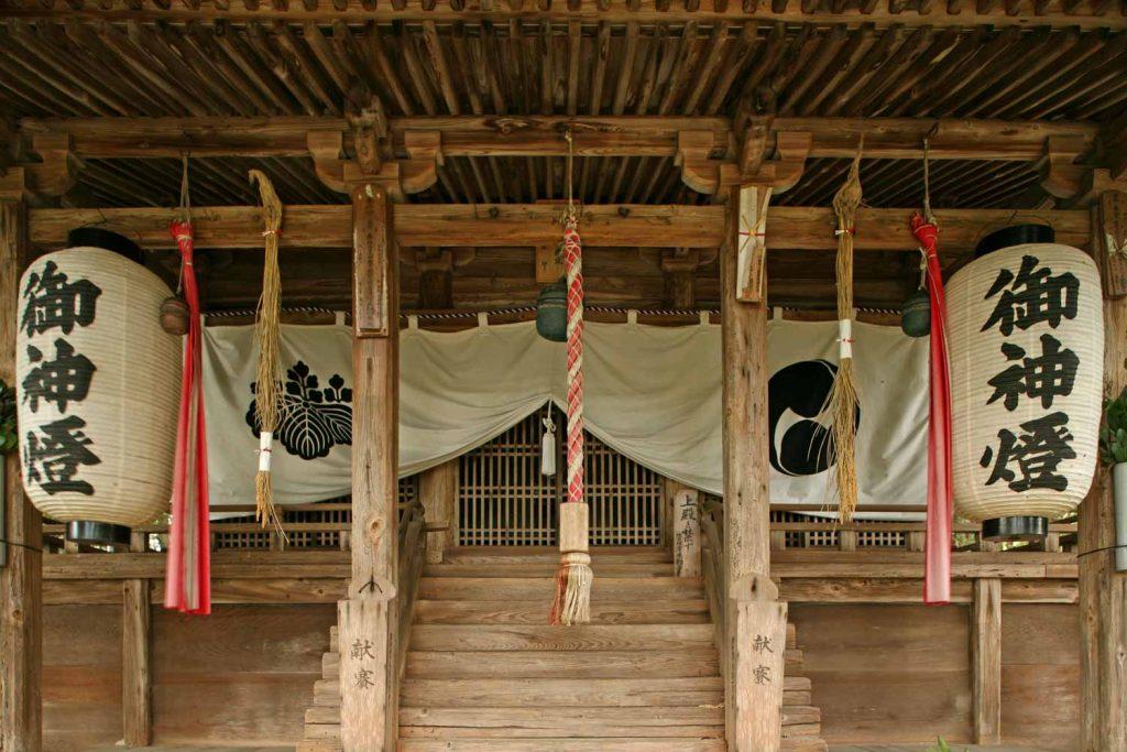 若王子神社(拝殿)